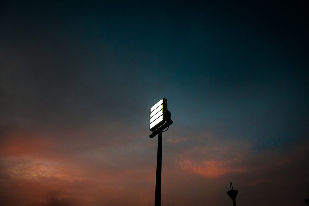 Luminaria industrial en exteriores: Kelektron